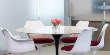 """Saarinen Round Dining Table. 47"""""""